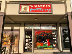 A Maze In Pottery Storefront in Briarcliff Manor, NY